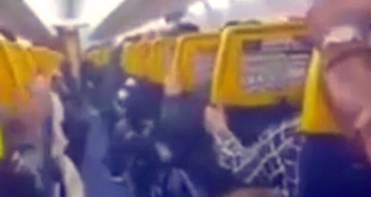 Πανικός σε πτήση: Έκλαιγαν, φώναζαν και προσεύχονταν οι επιβάτες (Βίντεο)