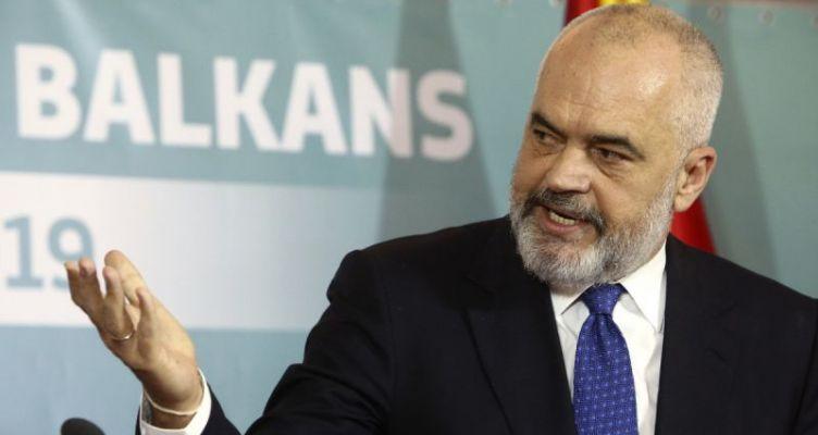 Κορωνοϊός: Απαγορεύει τις μετακινήσεις από και προς την Ελλάδα η Αλβανία