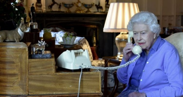 Θα καταφέρει να «ξεφύγει» του Κορωνοϊού η 93χρονη Ελισάβετ;