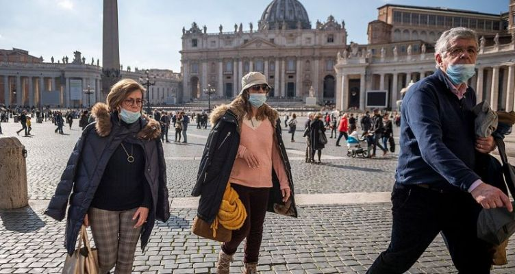 Κορωνοϊός – Ιταλία: Προστατευτικές μάσκες από… λωρίδες υφάσματος για γραβάτες