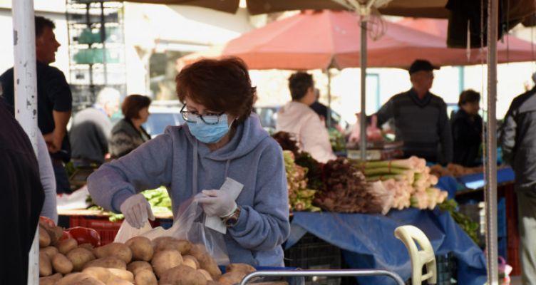 Καταγγελίες για αυξήσεις 30% σε λαχανικά και οπωροκηπευτικά στις λαϊκές