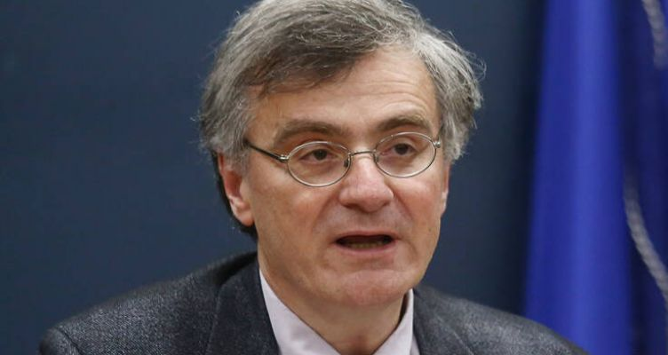 Σωτήρης Τσιόδρας: Η επανεμφάνιση του καθηγητή με μήνυμα επαγρύπνησης