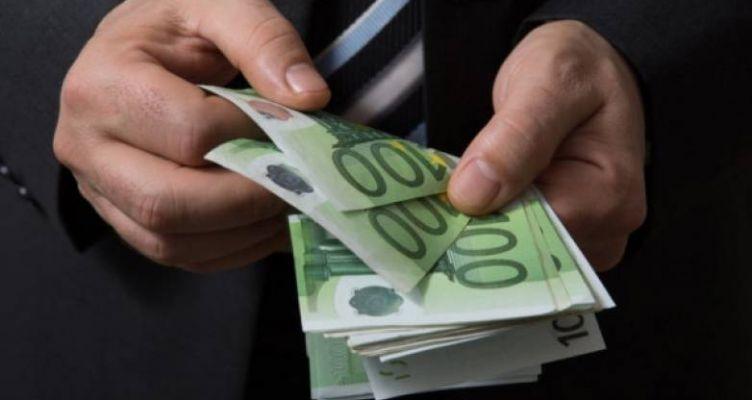 Πάτρα: Εργοδότες ζητούν 100 ευρώ από υπαλλήλους για το επίδομα των 800 ευρώ