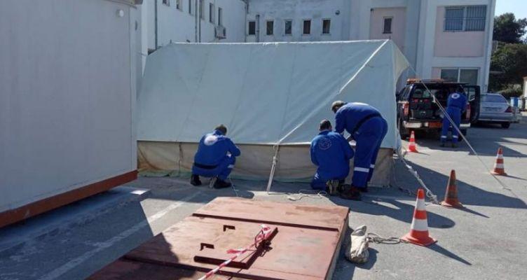 Σκηνή για την υποδοχή ύποπτων κρουσμάτων κορωνοϊού στην Πρέβεζα