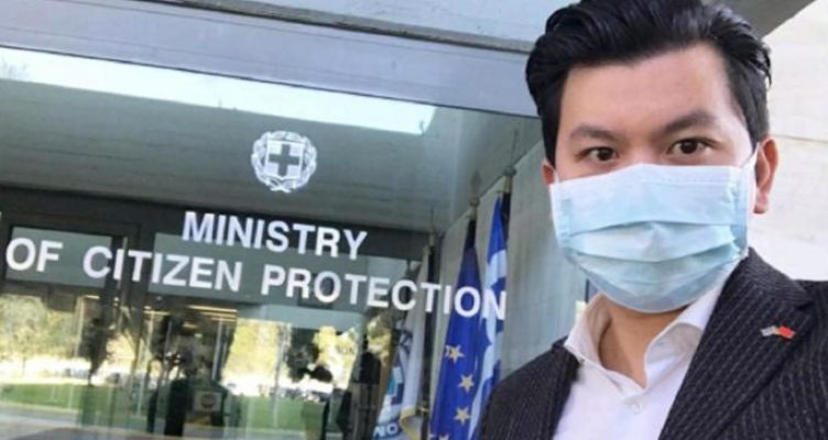 Ο Ορέστης Τσανγκ κάνει δωρεά για τον ιό – Στο υπουργείο Προστασίας του Πολίτη