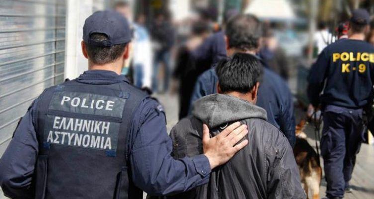 Συνελήφθησαν δεκατρείς αλλοδαποί στο αεροδρόμιο του Ακτίου