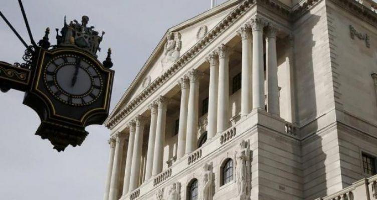 Βρετανία: «Κόβει» χρήμα η κεντρική τράπεζα για την κορωνοκρίση