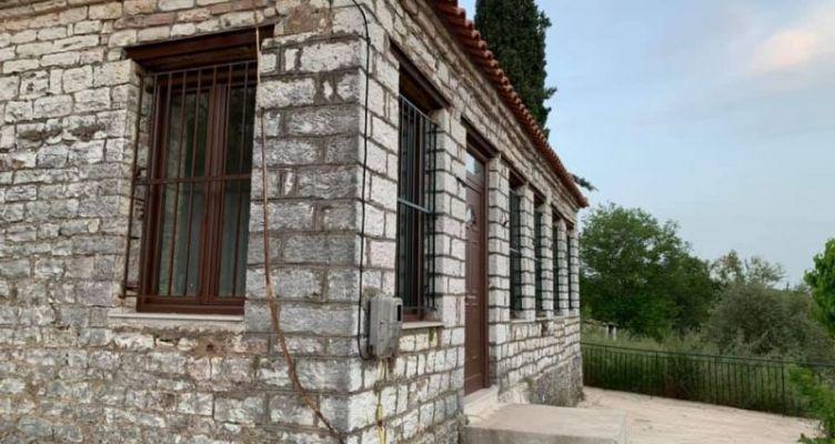 Θέρμο: Πρωτοβουλία Κωνσταντάρα για Μουσείο Σχολικής Ιστορίας