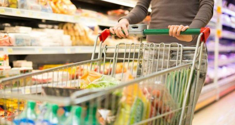 Μεγάλη αύξηση των πωλήσεων σε σουπερμάρκετ και φαρμακεία