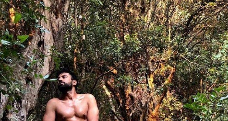 Ο Ανδρέας Γεωργίου ολόγυμνος στο δάσος – Πανικός στο Ιnstagram