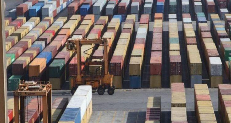 ΕΛΣΤΑΤ: Βουτιά 30% σε εισαγωγές και εξαγωγές τον Απρίλιο