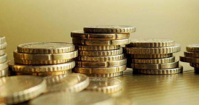 Ύφεση 7,5% το 2020 και ανάπτυξη 5,1% το 2021 προβλέπει η ΕΤΕ