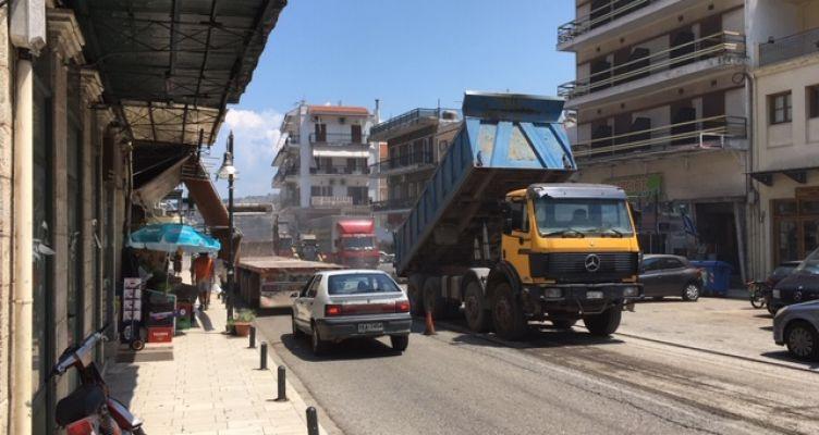 Αμφιλοχία: Eργασίες αποκατάστασης του οδοστρώματος στην είσοδο της πόλης