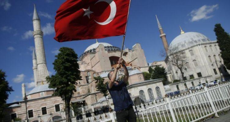 Ερντογάν: Υπόθεση του τουρκικού έθνους η Αγία Σοφία – Απαιτούμε σεβασμό