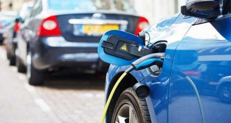 Ηλεκτρικά αυτοκίνητα: Οι οκτώ αλλαγές και τα φορολογικά κίνητρα