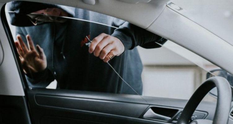 Εξιχνίαση κλοπής αυτοκινήτου στο Αγρίνιο
