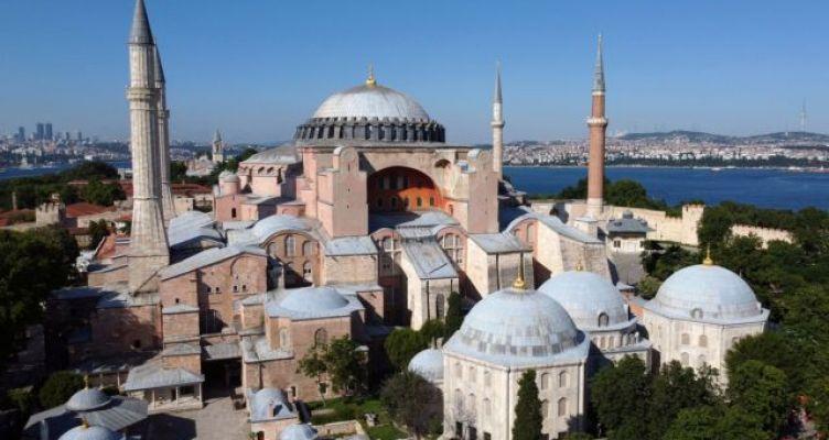 Αγία Σοφία: Παγκόσμια κατακραυγή για την απόφαση Ερντογάν να τη μετατρέψει σε τζαμί
