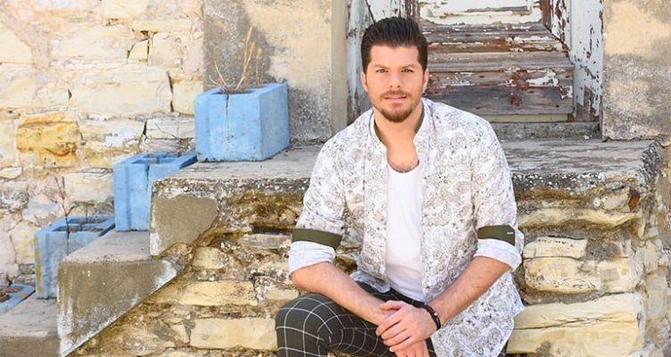 «Πάμε απ' την αρχή»: Άρωμα νησιωτικής Ελλάδας στο νέο τραγούδι του Λούκα Γιώρκα