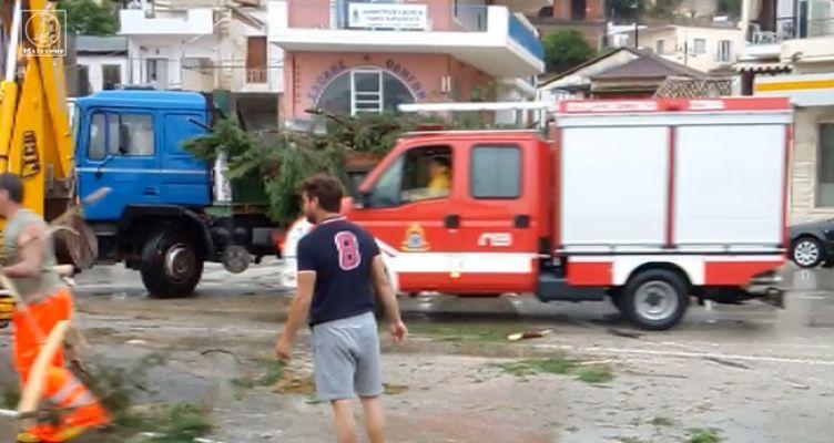 Αμφιλοχία: Συνεργείο του Δήμου με τη βοήθεια της Π.Υ. αποκαθιστά τις ζημιές (Βίντεο)