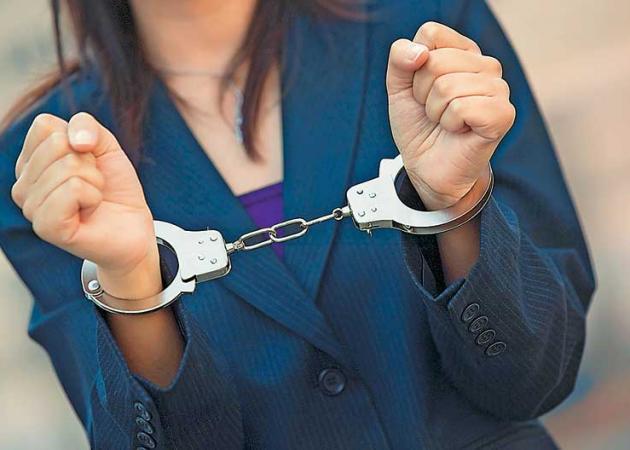 Ναύπακτος: Σύλληψη 52χρονης σε βάρος της οποίας εκκρεμούσε καταδικαστική απόφαση