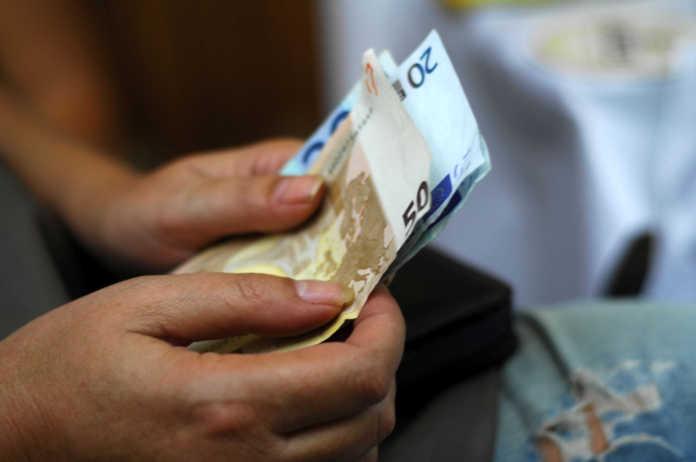 Προσοχή: Απατεώνες προσπαθούν να αποσπάσουν χρήματα υπέρ των πυρόπληκτων
