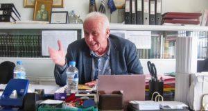 Ο Διευθυντής του 3ου Γενικού Λυκείου Αγρινίου, Ευστάθιος Πίτσας στο…