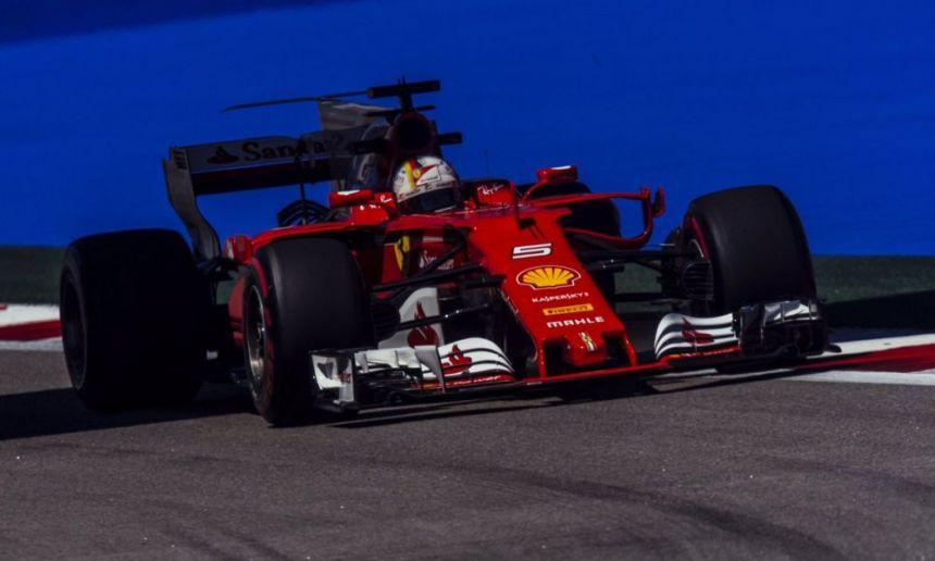 GP Ρωσίας: Pole position για τον Φέτελ – Δίπλα του ο Ράικονεν