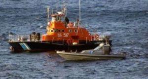Ηλεία: Σκάφος προσφύγων εξέπεμψε SOS – Μεταφέρθηκαν στο Κατάκολο