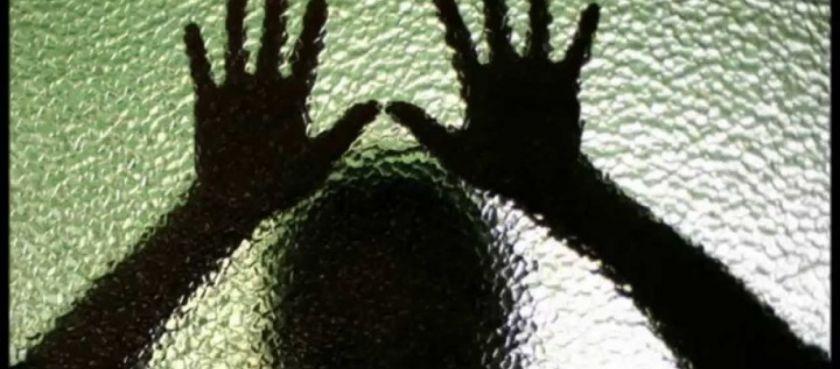 Θρίλερ στην Κορινθία: Τη φυλάκισαν στο σπίτι επειδή δεν ενέκριναν τη σχέση της