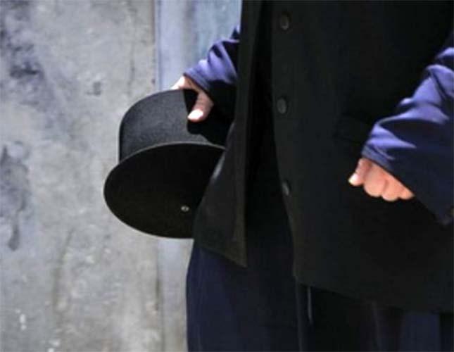 Σκάνδαλο στην Αιτωλοακαρνανία: Η παπαδιά έπιασε τον παπά με τα ράσα σηκωμένα