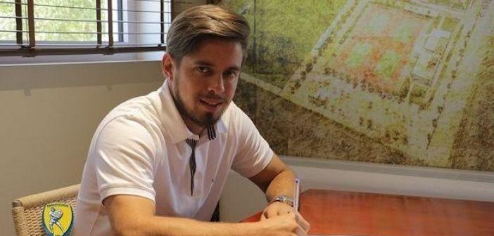 Μασουρέκ: «Να κερδίσω μία θέση στο βασικό σχήμα και ως ομάδα να βγούμε Ευρώπη»