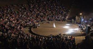 Aπόψε, το Αρχαίο Θέατρο Στράτου «στο φως του φεγγαριού»