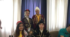 Αγρίνιο: Ο Γ. Παπαναστασίου υποδέχθηκε τα ξένα χορευτικά συγκροτήματα (Φωτό-Βίντεο…