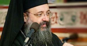 Έξαλλος ο Μητροπολίτης Πατρών με τον Νίκο Βούτση! «Να ζητήσει…