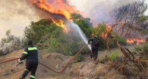 Φωτιά στους Αμοριανούς Βάλτου – Μεγάλη η κινητοποίηση των Αρχών