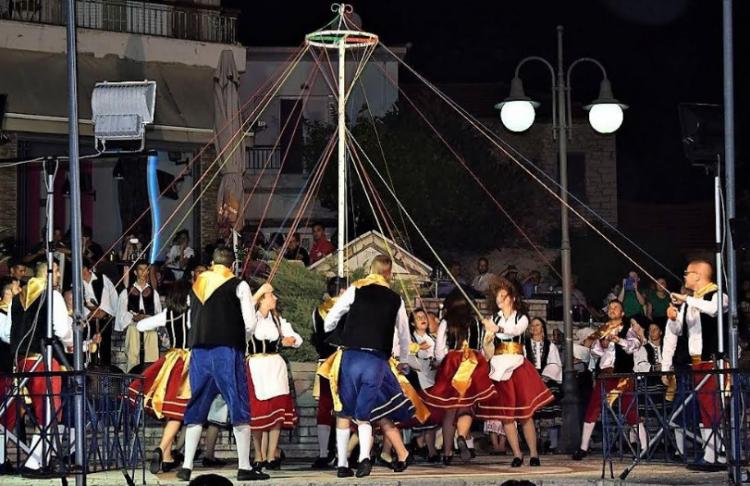 Με επιτυχία οι χθεσινοβραδινές χορευτικές παραστάσεις σε Λεπενού, Ματαράγκα και Αγγελόκαστρο