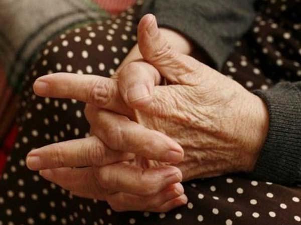 Αγρίνιο: 82χρονη έπεσε θύμα απατεώνων από «μαϊμού» αστυνομικούς