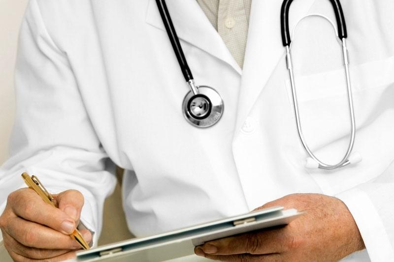 Αίγιο: Απατεώνας χρησιμοποιεί όνομα πραγματικού γιατρού για να εξαπατά ασθενείς