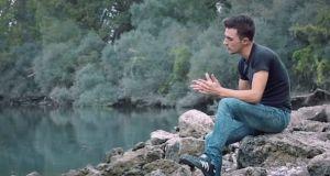 «Όμορφος κόσμος», ένα νέο τραγούδι με πλάνα από Αχελώο και…