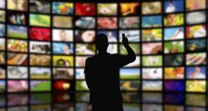 Τηλεοπτικές άδειες: Δημοσιεύθηκε η προκήρυξη – Όλες οι λεπτομέρειες για…