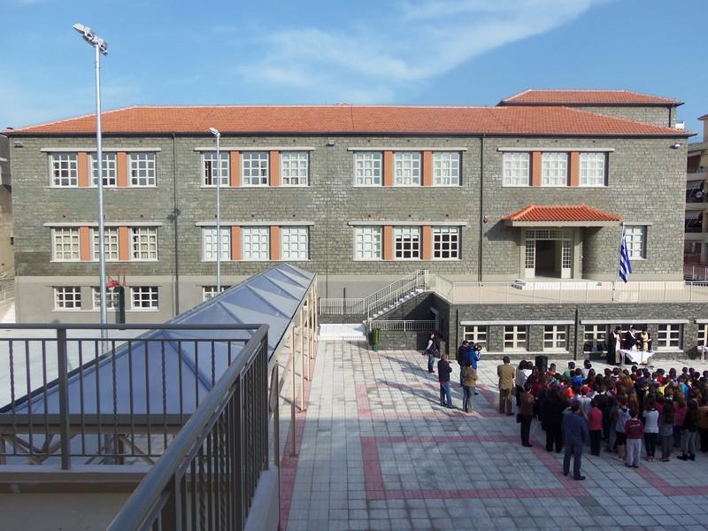 Ανατροπή με το άνοιγμα των σχολείων λόγω κορωνοϊού