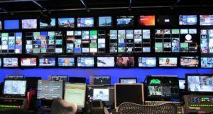 Τι προβλέπει η τροπολογία για τις τηλεοπτικές άδειες