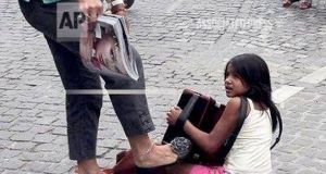 Καταδικάστηκε μετά από χρόνια η «κυρία» που κλώτσησε ένα μικρό…