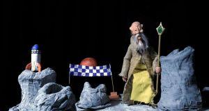 Μοναδικό κουκλοθεατρικό θέαμα: «Μια φλόγα στη Σκοτεινούπολη», στη Ναύπακτο