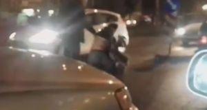 Πάτρα: Οδηγοί έπαιξαν ξύλο στο δρόμο μετά από τρακάρισμα! (Βίντεο)