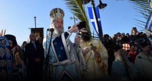 Εορτασμός Θεοφανείων στην Ναύπακτο και το ευτράπελο με νεαρό Ρομά…