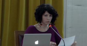 Ομιλία της Μίρκας Παλιούρα στο Παπαστράτειο Μέγαρο Αγρινίου