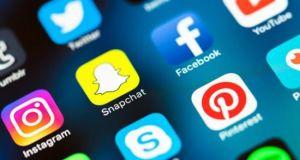 Νόμοι και «κενά» στο παγκόσμιο διαδικτυακό «χωριό»
