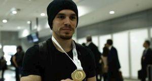 Στην Αθήνα με το χρυσό μετάλλιο Λευτέρης Πετρούνιας