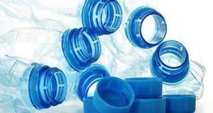 Δημιουργήθηκε ένζυμο που «τρώει» πλαστικά μπουκάλια